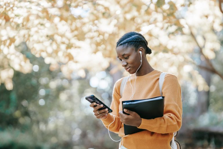Gen-Z's-in-College-and-Mobile-Advertising